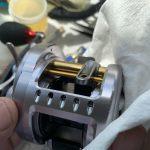 09カルカッタコンクエスト201DC メンテナンス 最終工程 磨き